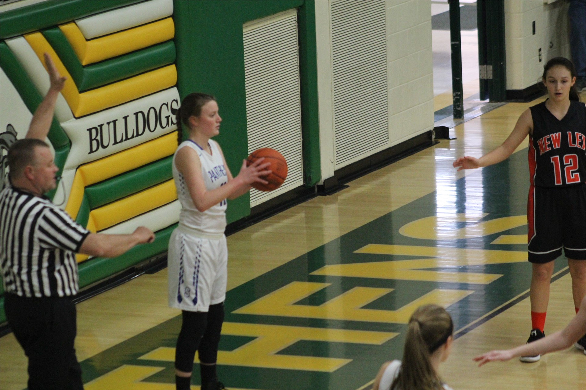 new lexington girls The new lexington varsity girls basketball team has a new coach for the upcoming season jay chadwell, former georgetown high school standout and head coach at logan high school, will be the new head of the girls team this winter.