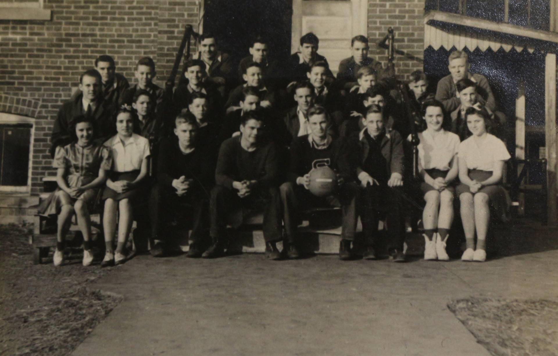1942 Basketball
