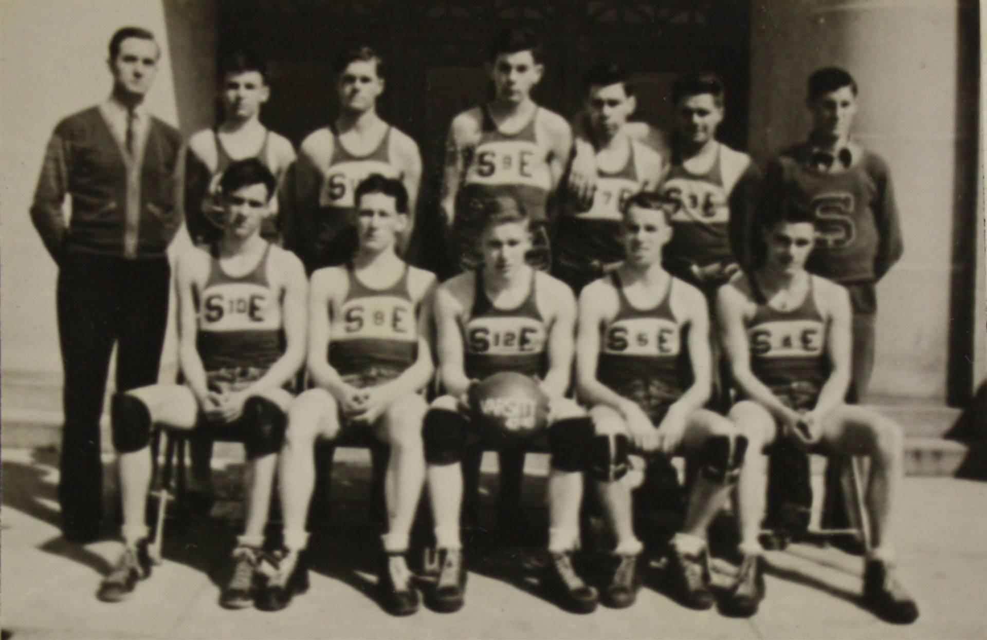1943 Basketball