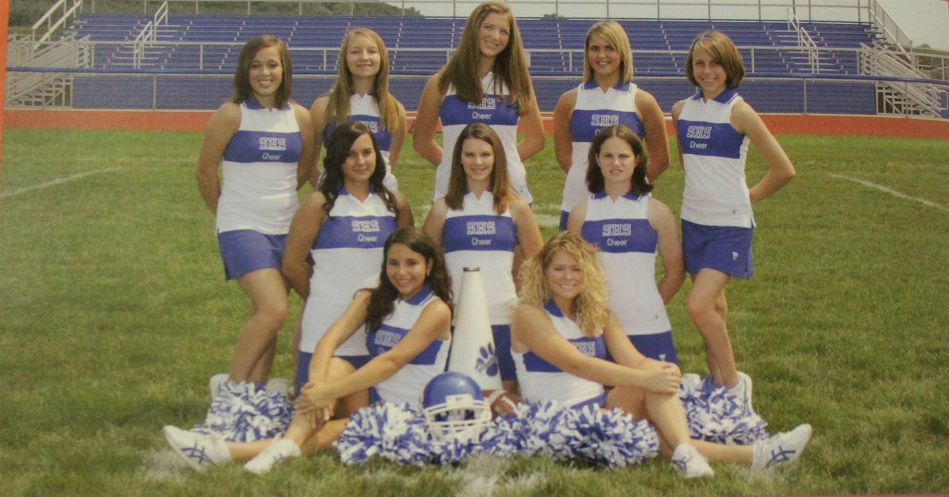 2008 football cheerleaders