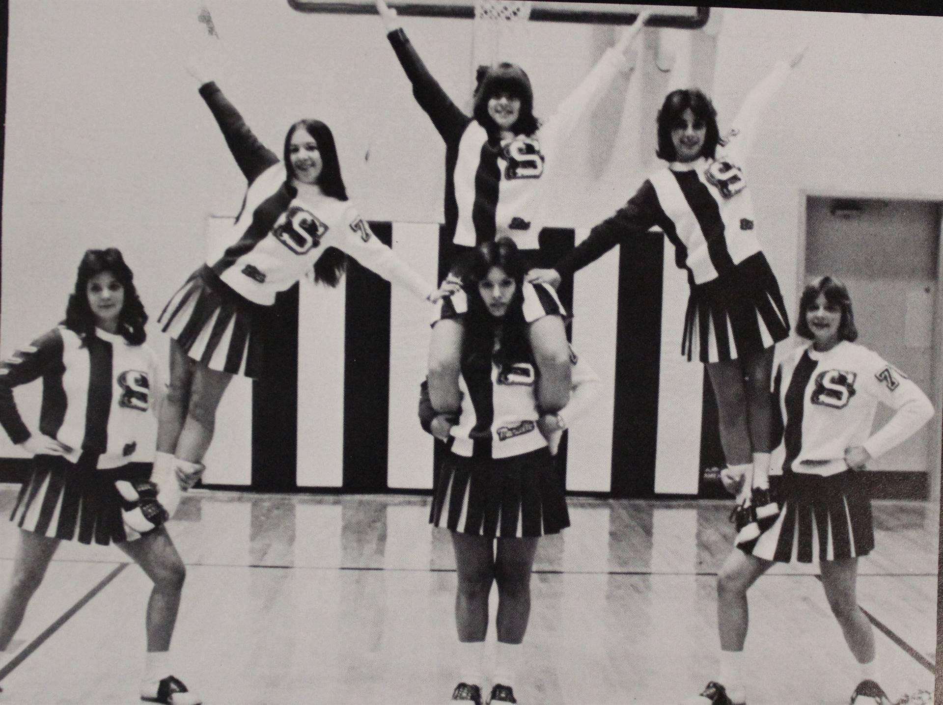 1977 Cheerleaders