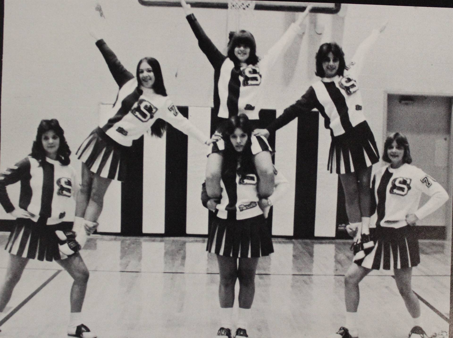 1977 Cheer