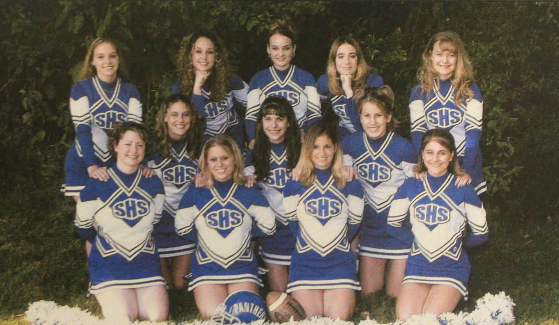 2004 Football Cheerleaders